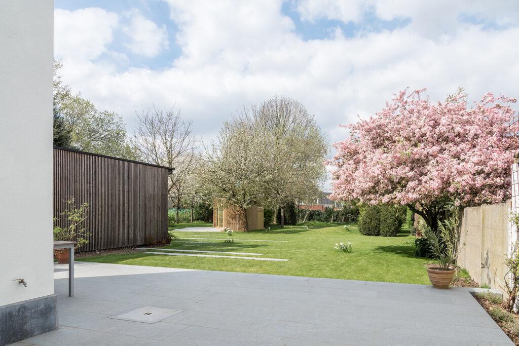 Tuin paviljoen Boechout - opgaan in de omgeving - PAEN architectuur